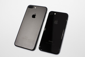 090716-apple-iphone-7-plus-black-6987